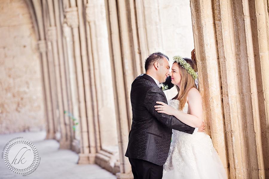 Kıbrıs bellapais manastırında çekilmiş düğün fotoğrafı