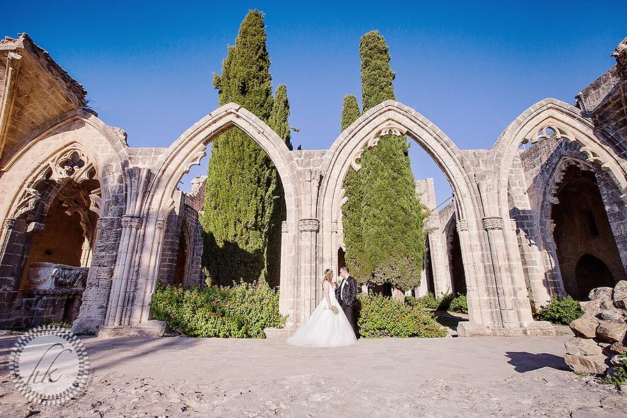 Kıbrıs bellapais manastırı düğün fotoğrafı