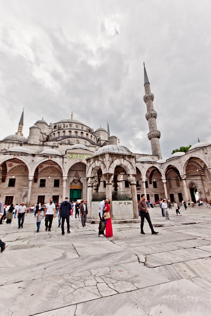 Surprise marriage proposal - sultanahmet mosque -Vacation photographer istanbul